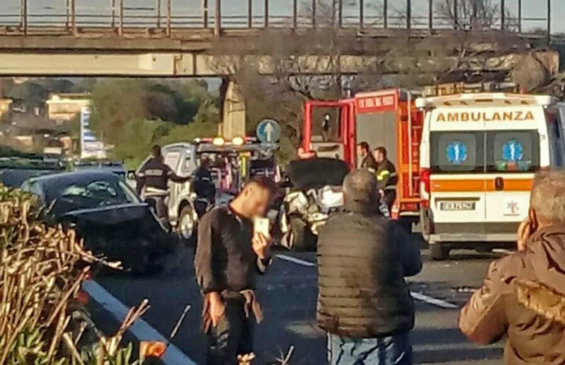 Nuovo incidente sulla A18, traffico paralizzato