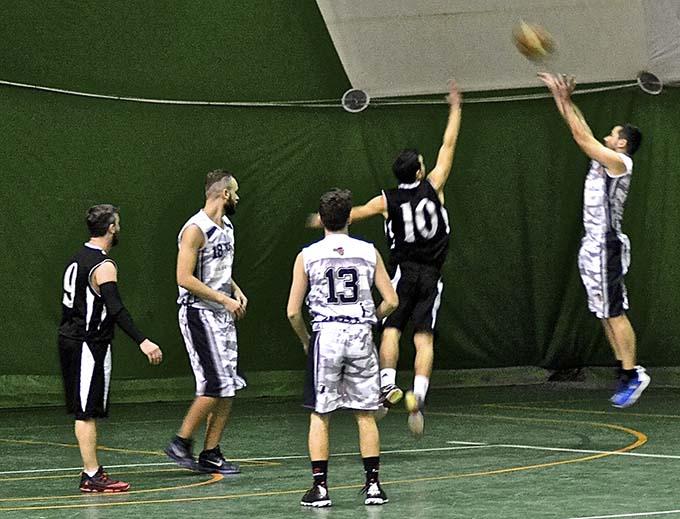 Basket Serie D: vietato sbagliare per l'Adrano Basket. Domani a Messina si gioca Gara3