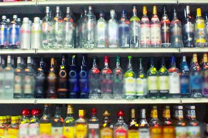 Misterbianco, arrestata rumena per furto di alcolici al supermercato di Auchan