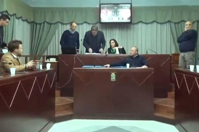 Biancavilla, domani sera Consiglio comunale in seduta urgente