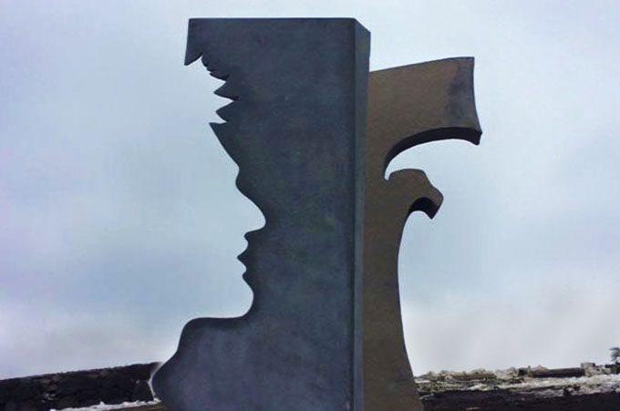 Rifugio Sapienza, una scultura e l'intitolazione del piazzale per ricordare Angelo D'Arrigo