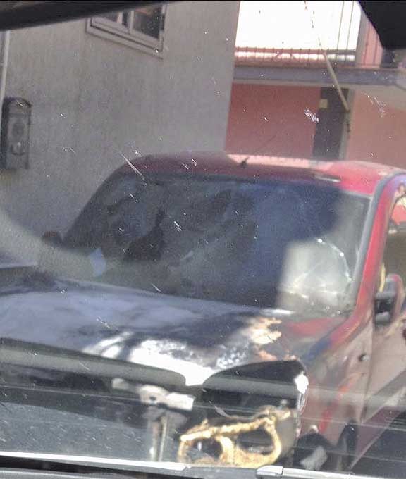 Il Fiat Doblò incendiato nella notte a Biancavilla