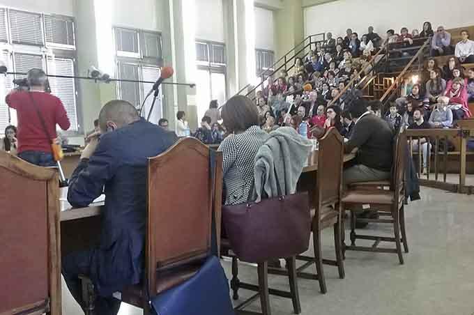 """Adrano, video """"precari e salsiccia"""",  13 consiglieri di opposizione si dimettono in blocco dalle commissioni"""