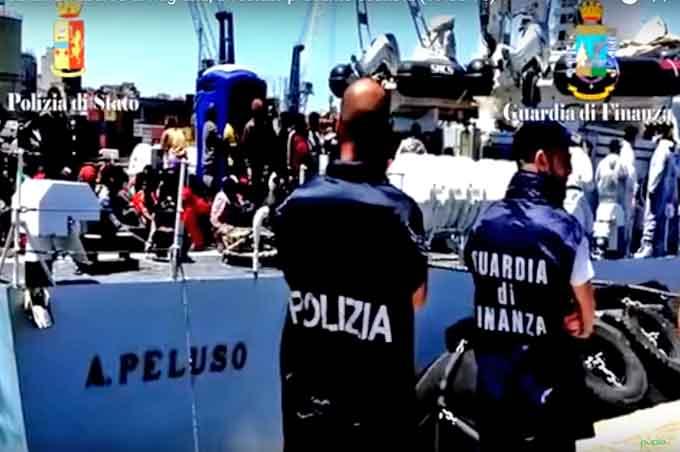 Catania, fermati 16 scafisti per lo sbarco di sabato