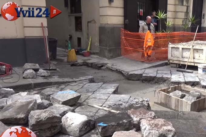 Biancavilla, lavori in via Vittorio Emanuele: l'opposizione replica al sindaco