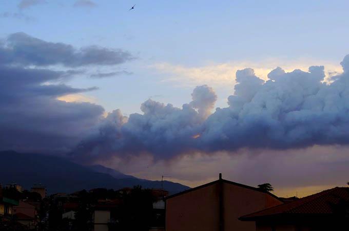 Etna, prosegue l'eruzione. Oggi nuovo episodio parossistico