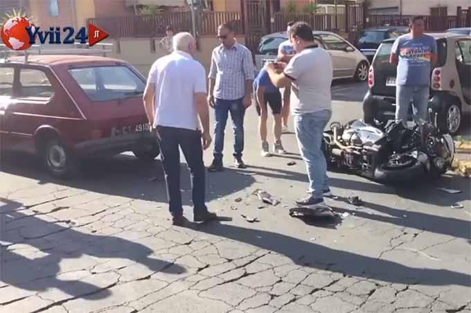 Biancavilla, incidente al Viale dei Fiori, coinvolte due auto e uno scooter