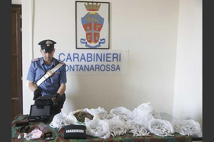 Catania, Carabinieri ritrovano droga e armi