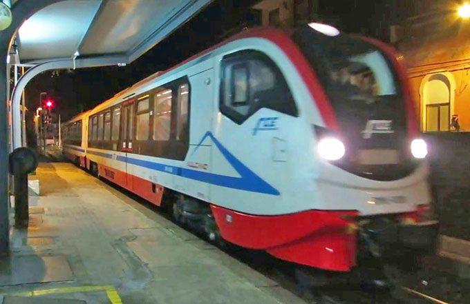 """Ferrovia Circumetnea, arriva il secondo treno """"Vulcano"""""""