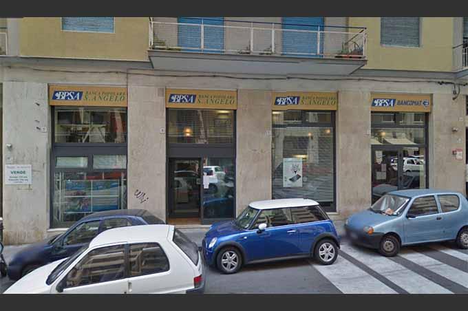 Catania, finanziere sventa rapina