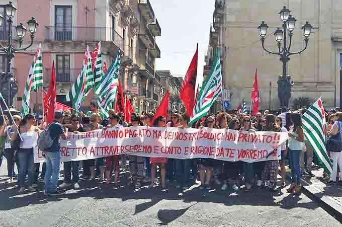 Paternò, sciopero lavoratori call center Qè