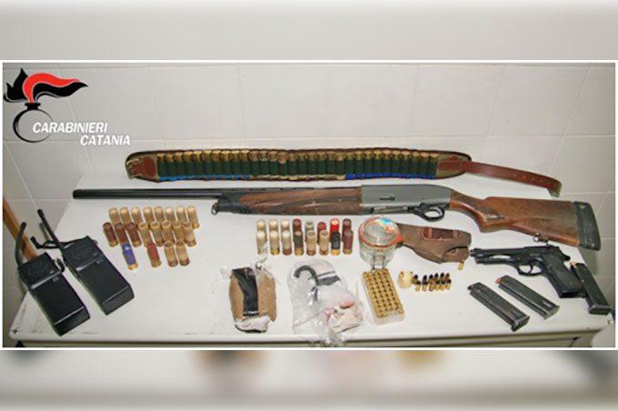 Adrano, 56enne in manette per armi