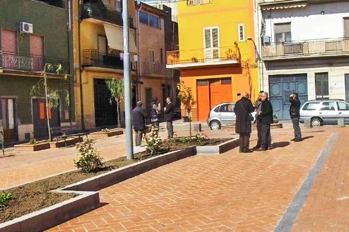 Adrano, assessore Politi replica a Perni: «Lavori in piazza del Popolo interrotti solo per maltempo»