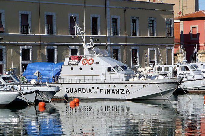 """Guardacoste classe """"Meattini"""" della Guardia di Finanza - Foto Lucarelli"""
