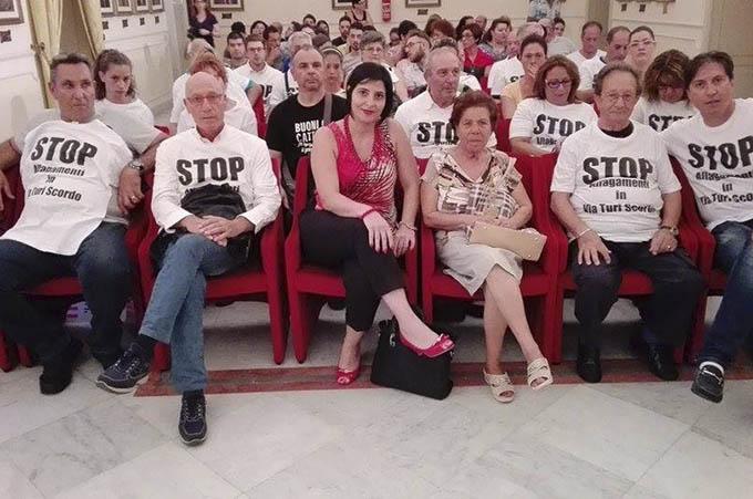 Misterbianco, manifestazione di protesta in via Turi Scordo