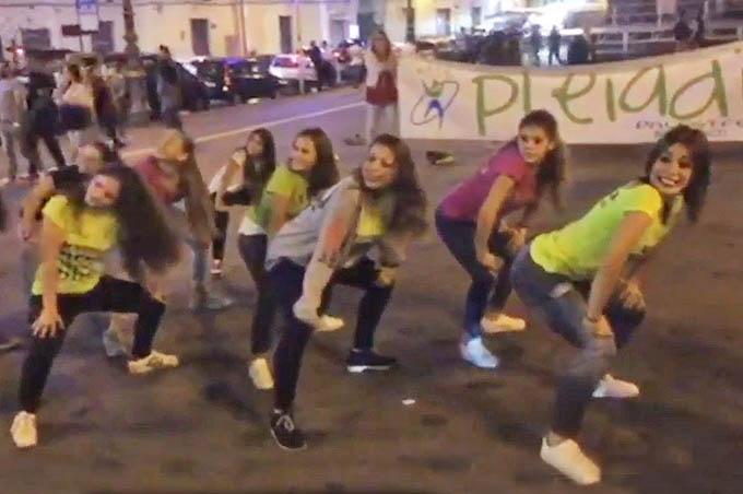 "Biancavilla: il flash mob delle ""Pleiadi"""