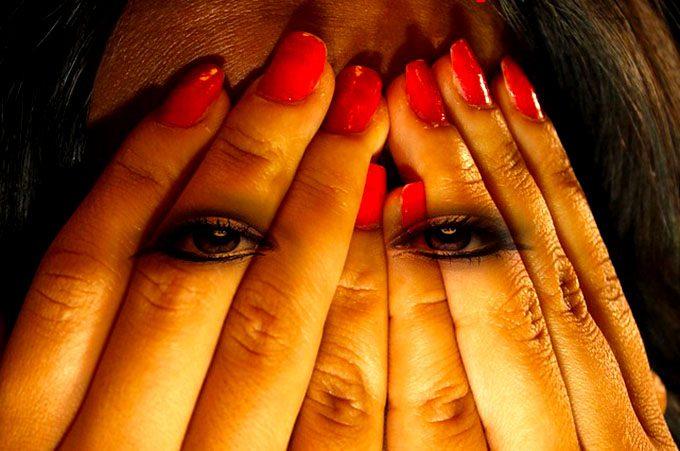 Biancavilla, arrestato 39enne per violenza sessuale, lesioni e minacce nei confronti dell'ex moglie
