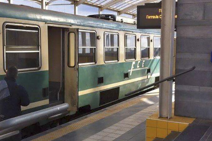 Circumetnea, allagate le stazioni di Biancavilla e Adrano. Pendolari inferociti, ma l'azienda rimane muta