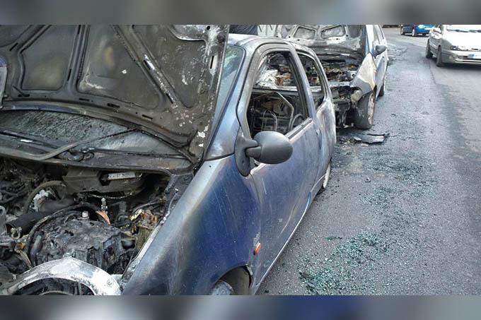 Paternò, due auto in fiamme nella notte