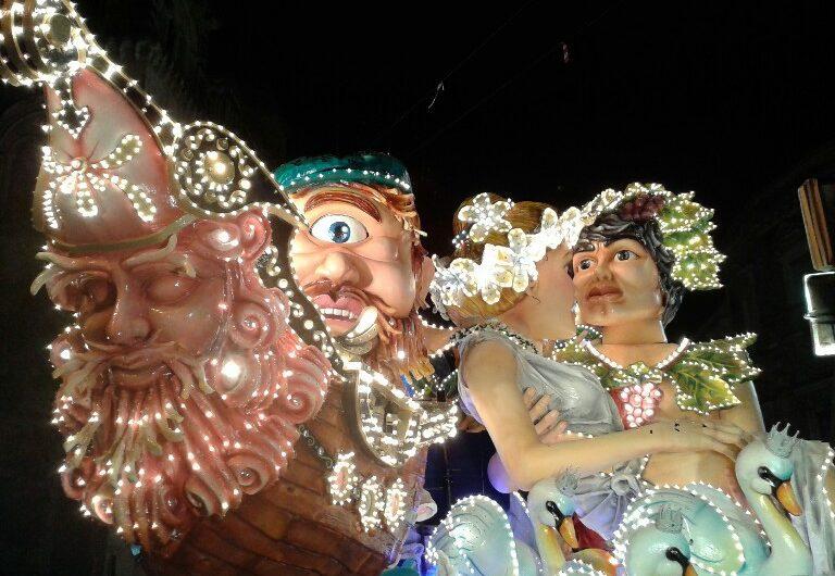 """Carnevale, la chiusura delle celebrazioni in onore di """"re burlone"""""""