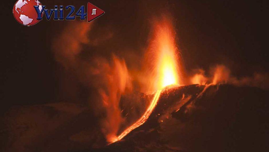 Etna, proseguono le fontane di lava dal Cratere di Sud-Est. Una colata lavica a 2.850 metri