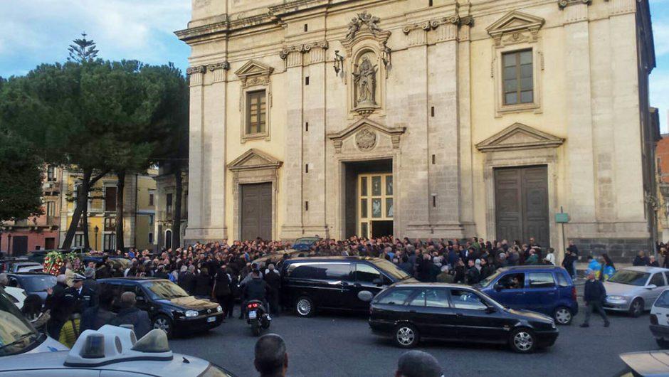 Paternò. Celebrati oggi i funerali di Alfio Fallica, il cuoco 30enne ucciso a Montecarlo