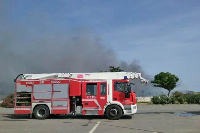 """Catania. Emergenza incendi: l'allarme dei sindacati. """"Servono personale e mezzi"""""""