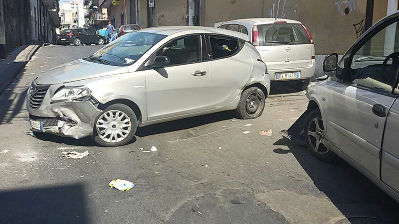 Paternò, incidente in via Bellini