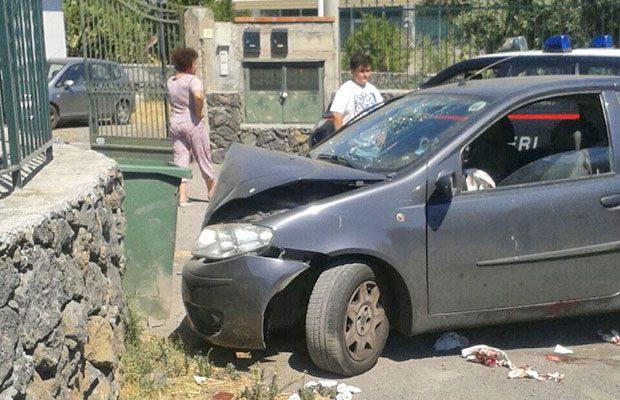 Santa Maria di Licodia. Incidente in via De Gasperi: donna gravemente ferita. Atterra l'elisoccorso