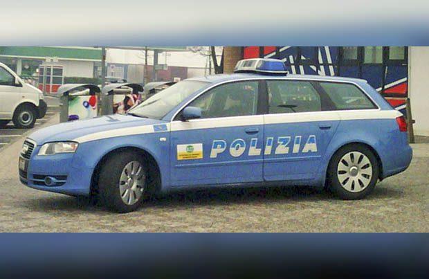 Catania. Sassi alla finestra dell'ex: arrestato 29enne