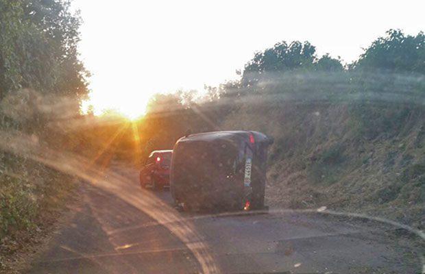Biancavilla, auto si ribalta alle Vigne. Donna ferita, non gravemente