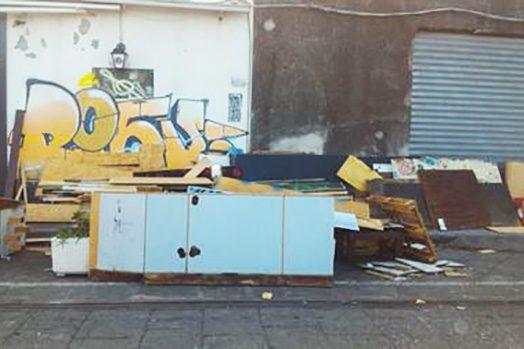 Catania, il porto come discarica: denunciato ristoratore