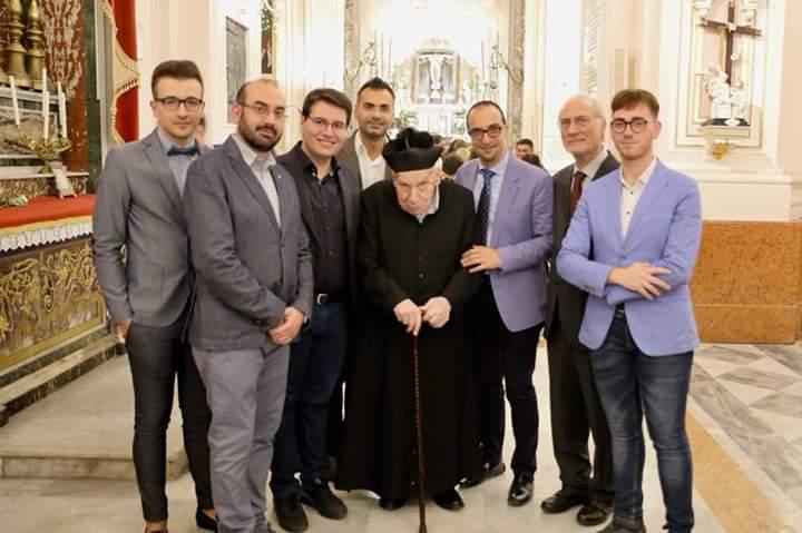 «Carusiddi, santi e biniditti». Biancavilla, i 75 anni di sacerdozio di Padre Placido Brancato
