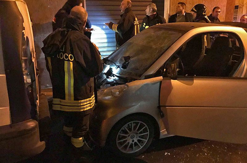 Santa Maria di Licodia. Bomba sul cofano dell'auto del rivale, denunciato un uomo