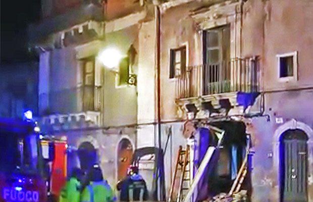 Catania: 3 morti e due feriti per una esplosione in via Sacchero