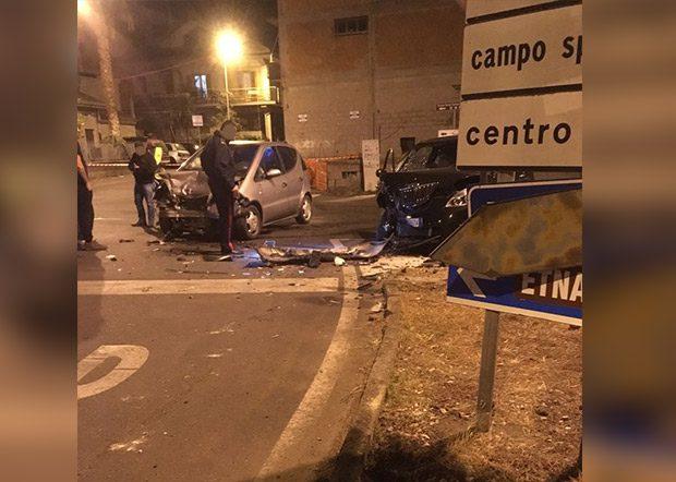 Santa Maria di Licodia, incidente nella notte su via Aldo Moro