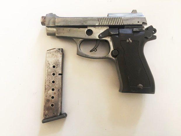 Motta Sant'Anastasia. Carabinieri ritrovano una pistola in un casolare abbandonato