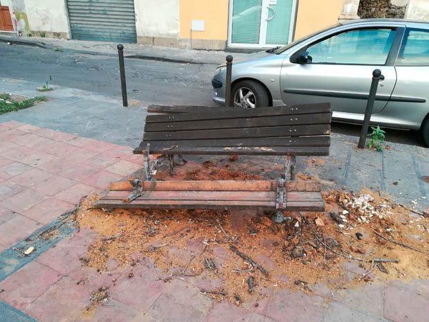 Paternò. Piazza Martiri d'Ungheria, emblema del degrado della città