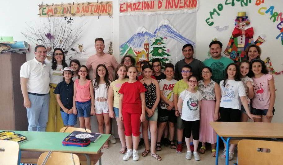 Paterno'. Alunni del Don Milani a scuola d'inglese con i marines Usa