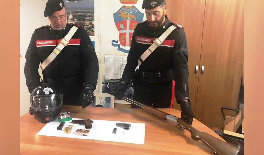 Catania. Arrestato insospettabile adranita con una pistola