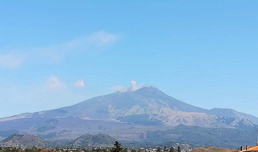 Etna. Due persone chiedono aiuto per aver perso il sentiero