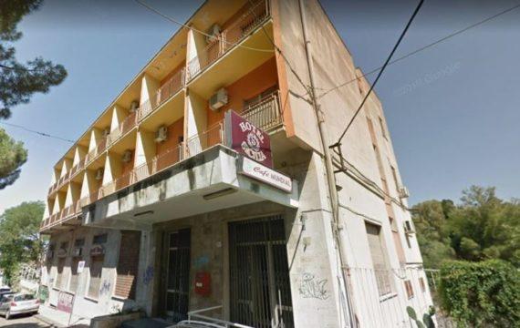 """Paternò. L'ex """"Albergo Sicilia"""" è in vendita"""
