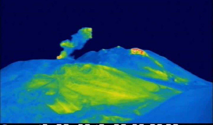 Etna. Continua l'attività esplosiva dal Cratere di Nord-Est