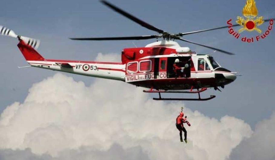 Etna. Portati in salvo da un elicottero i due escursionisti di zona Monte Nero
