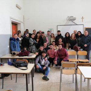 """Santa Maria di Licodia. Al """"Chinnici"""" incontro tra Marines e studenti"""