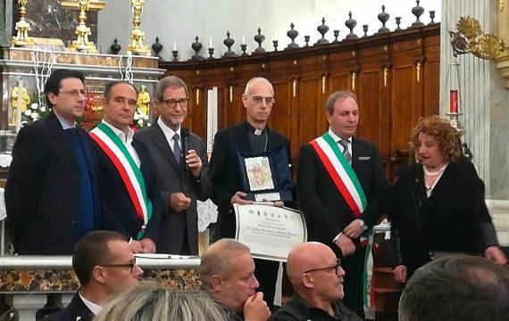 """Paternò. Il Premio """"Idria"""" al vescovo di Acireale Antonio Raspanti"""