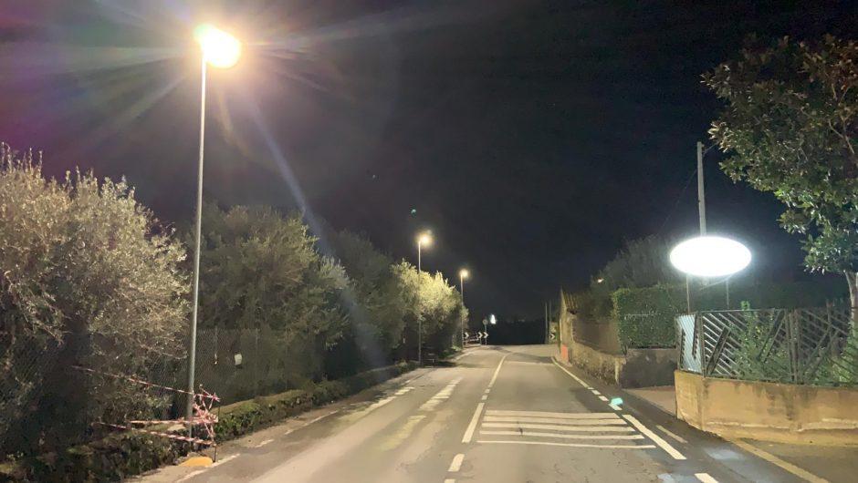 """Santa Maria di Licodia. Via De Gasperi, """"e luce fu"""""""