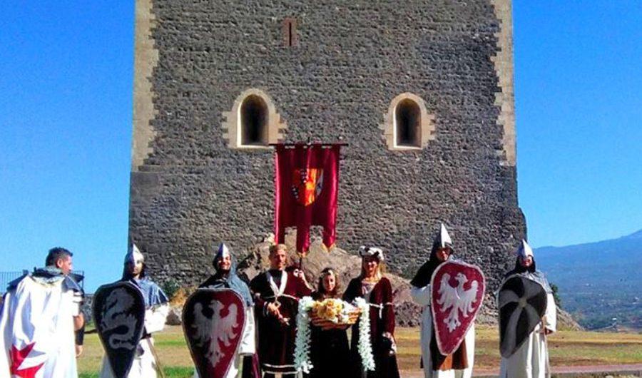 """Paternò. Domenica castello """"in…cantato"""""""