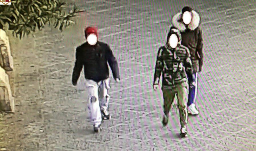 Catania. Arrestato 16enne paternese per scippo