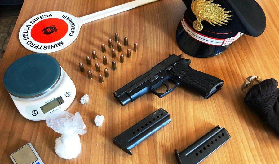 Biancavilla. Pistola e droga in casa, arrestati in due